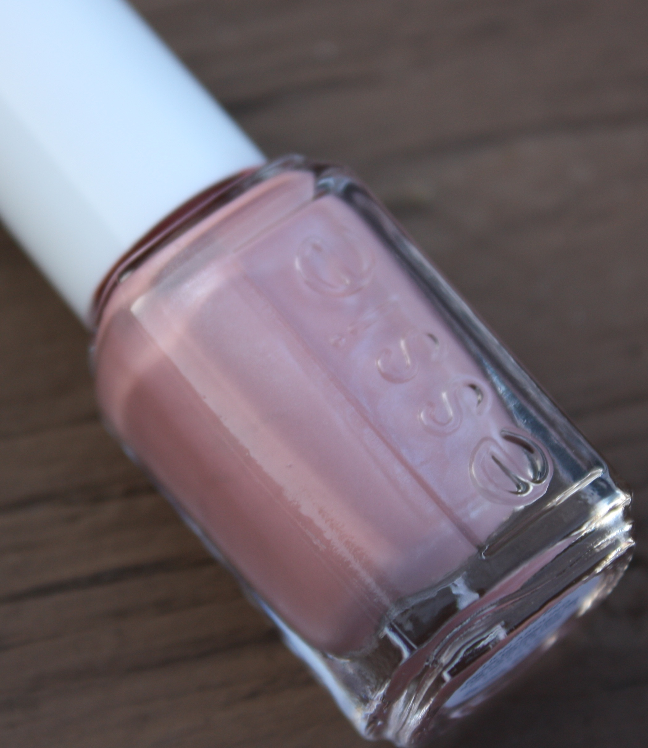Essie Lion Around – horrendous color
