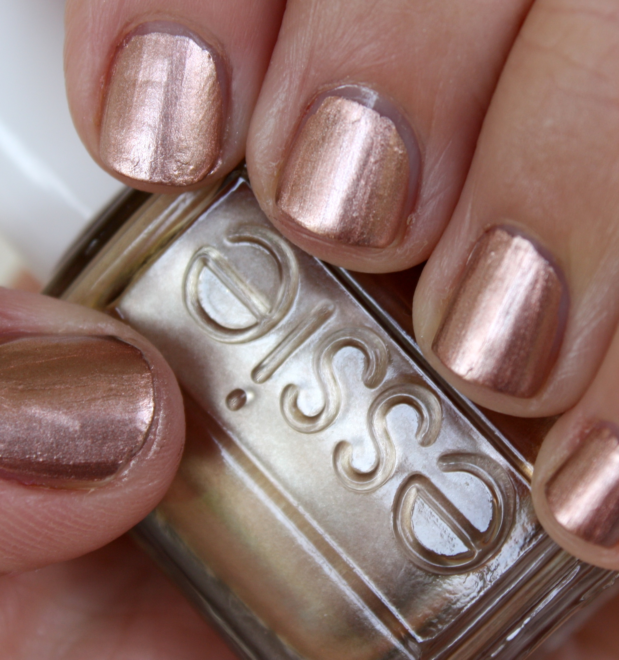 Essie Metallic Gold Nail Polish: Horrendous Color