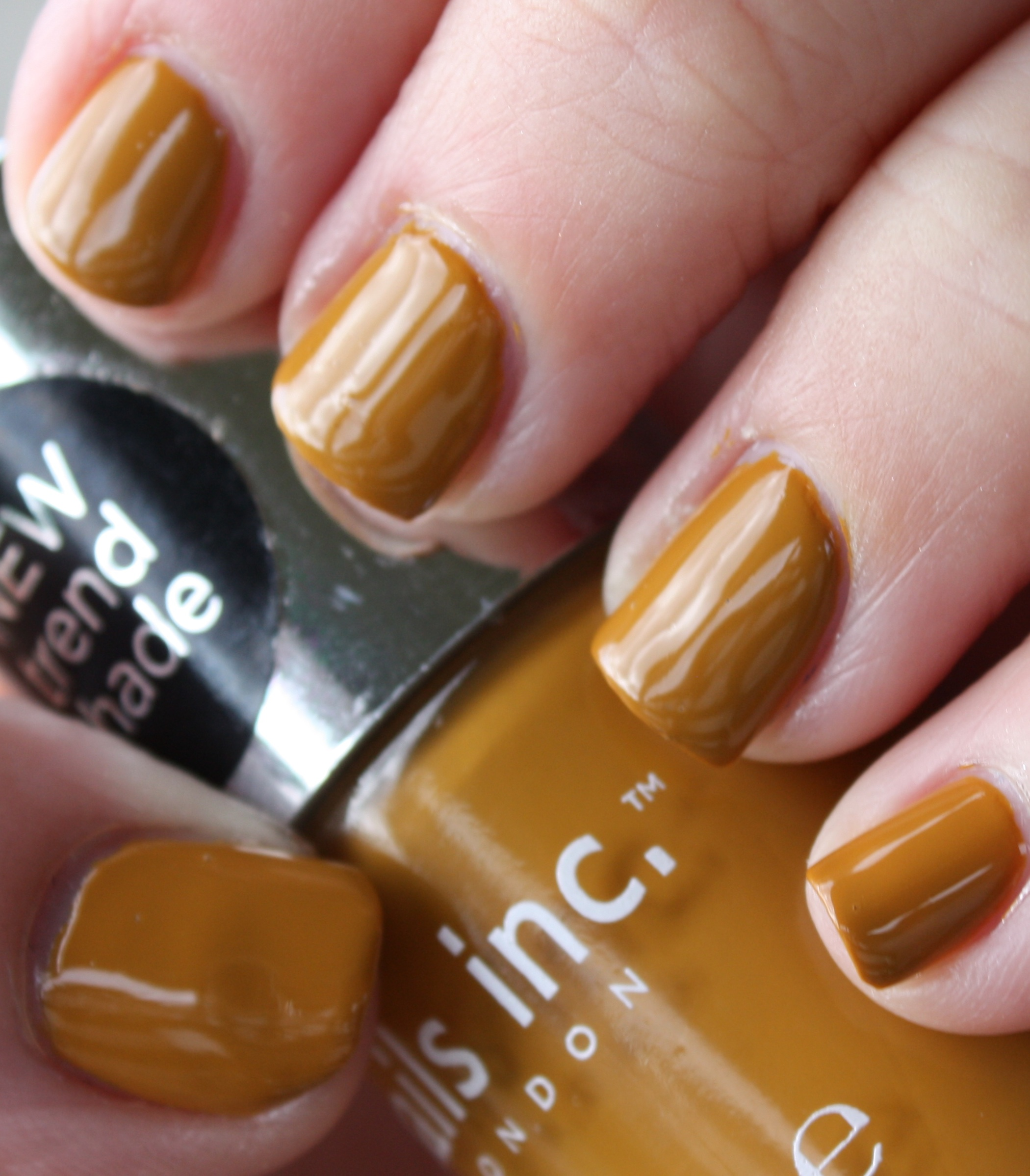 Nails, Inc. Hampstead Gardens – horrendous color